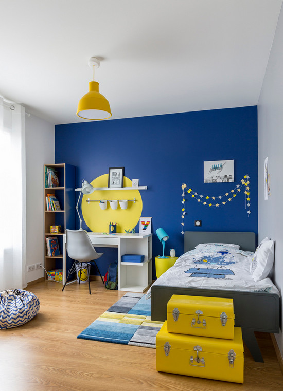 синий с желтым в интерьере