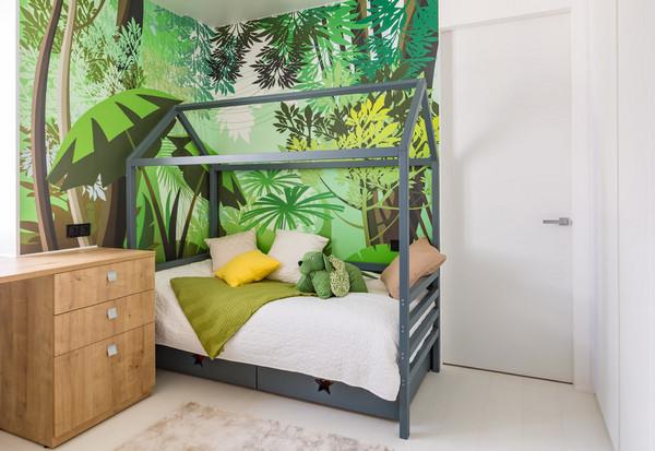оформление стены возле детской кровати
