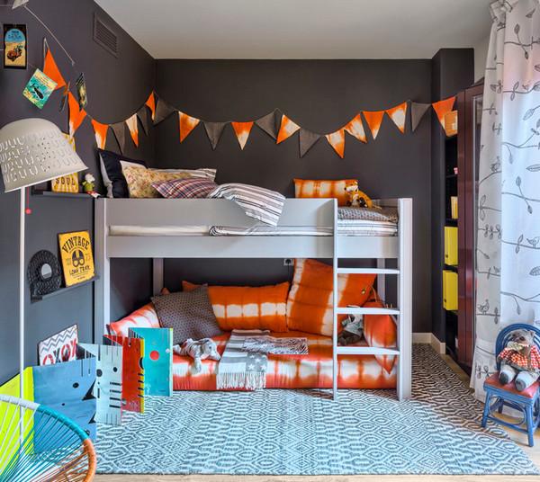 гирлянда над детской кроватью