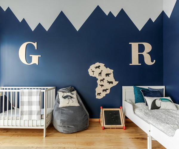 оформление стены над детскими кроватками
