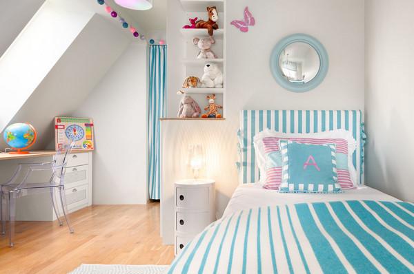 декор стены над кроваткой девочки