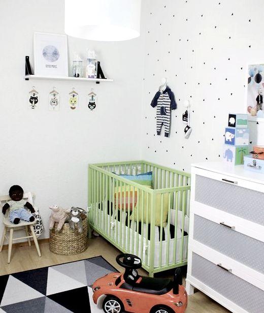украшение стены над детской кроваткой
