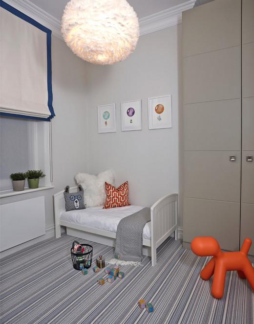 как украсить стену над детской кроваткой