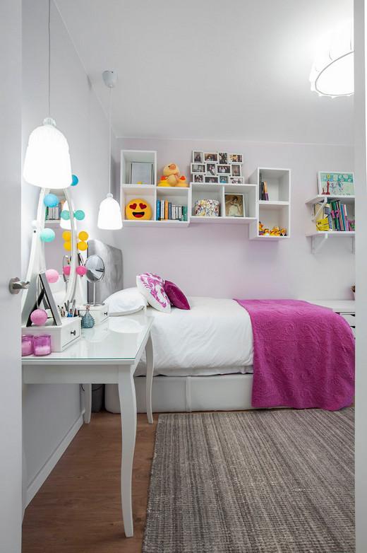 полки над детской кроватью