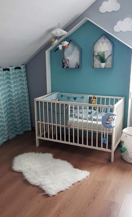 полочки над кроваткой новорожденного
