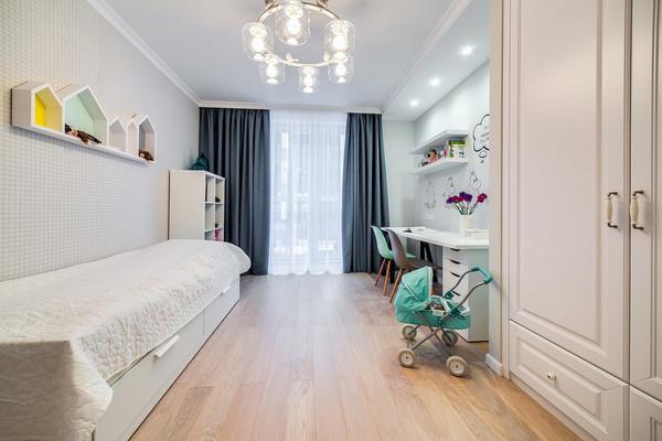 полочки-домики над детской кроватью