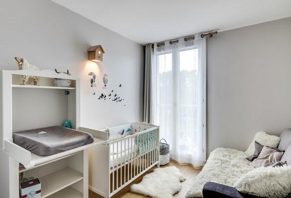 декор над детской кроваткой