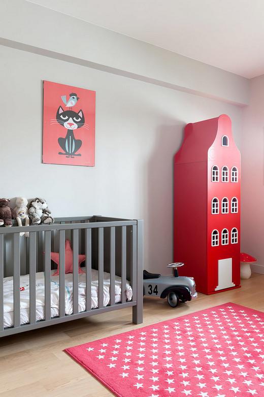 украшение стены над кроваткой