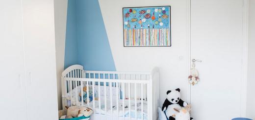 как оформить стену над кроваткой малыша