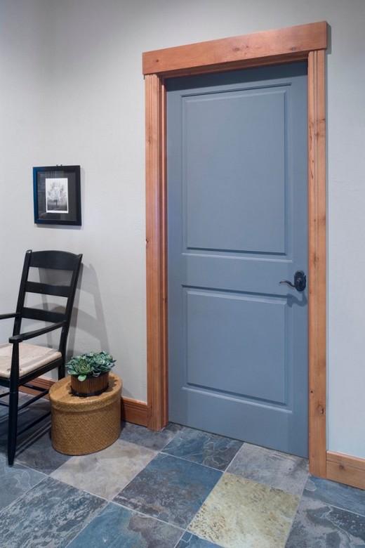 сочетание пола и дверей