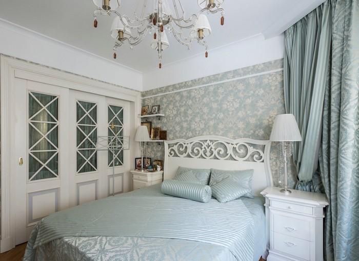 как сочетать шторы и покрывало в спальне