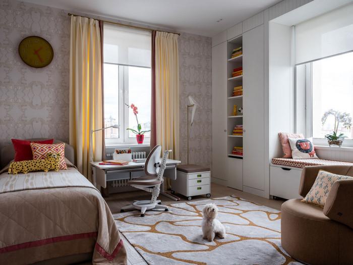два окна в комнате: как подобрать шторы