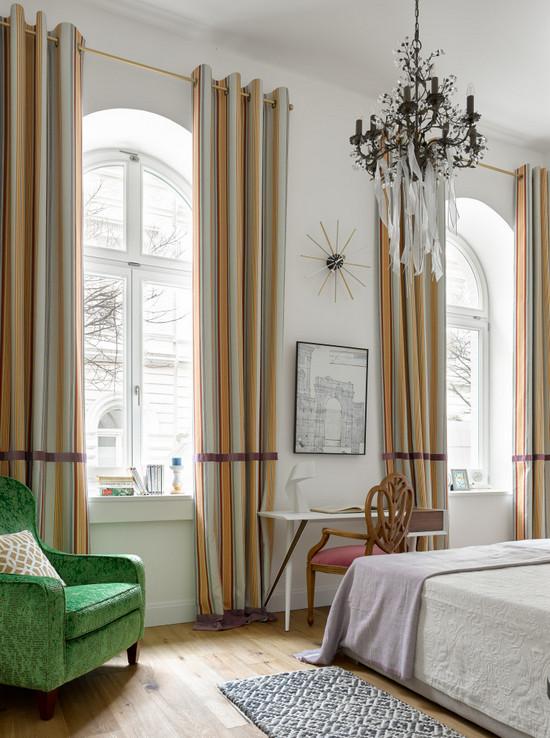 два окна на одной стене с простенком: как оформить