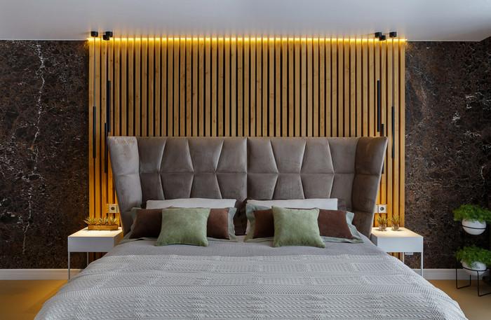 стеновые рейки в интерьере спальни