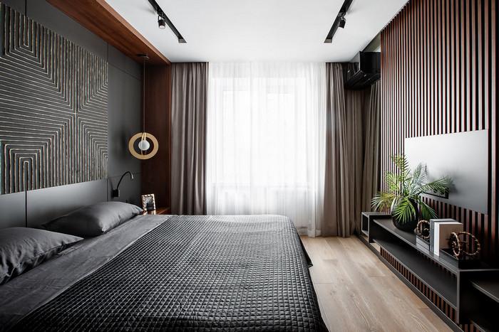 рейки баффели на стене в спальне