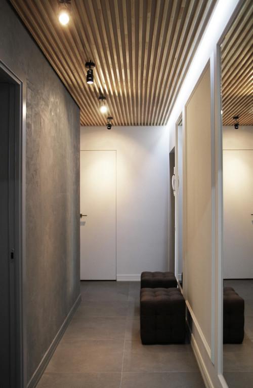 баффели на потолке в коридоре