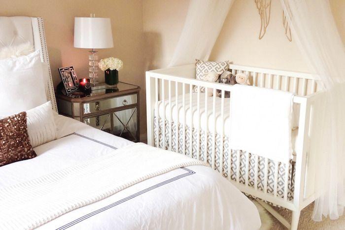 куда поставить детскую кроватку в спальне родителей