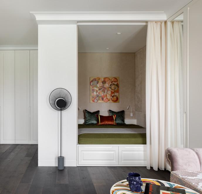 идеи для маленькой квартиры: кровать-платформа с ящиками