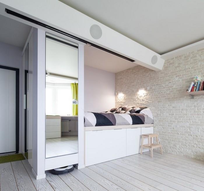 лайфхаки для маленьких квартир: кровать на подиуме
