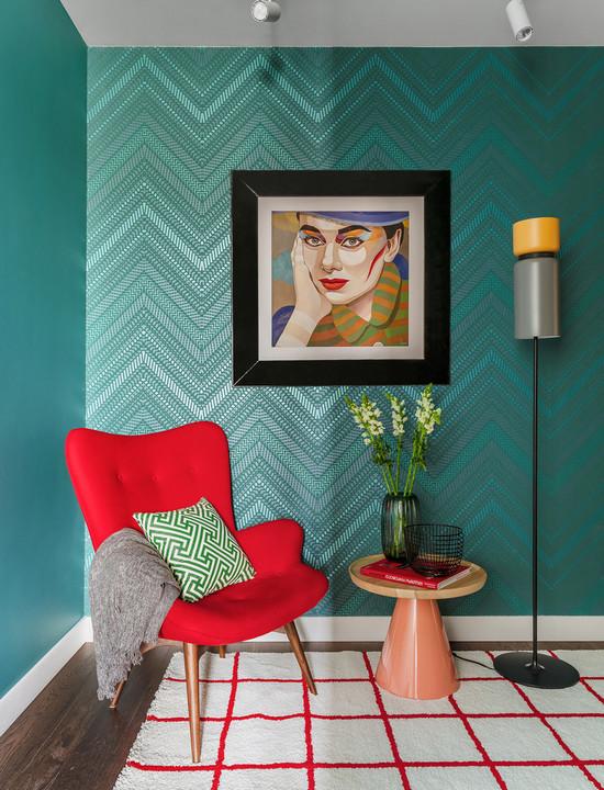 сочетание обоев и покраски в одной комнате